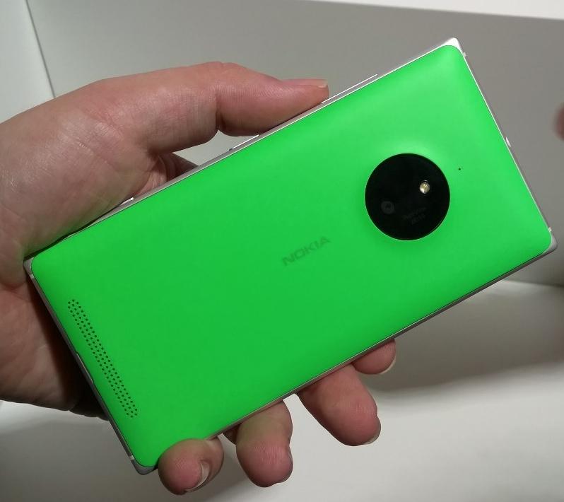 Nokia Lumia 830 back