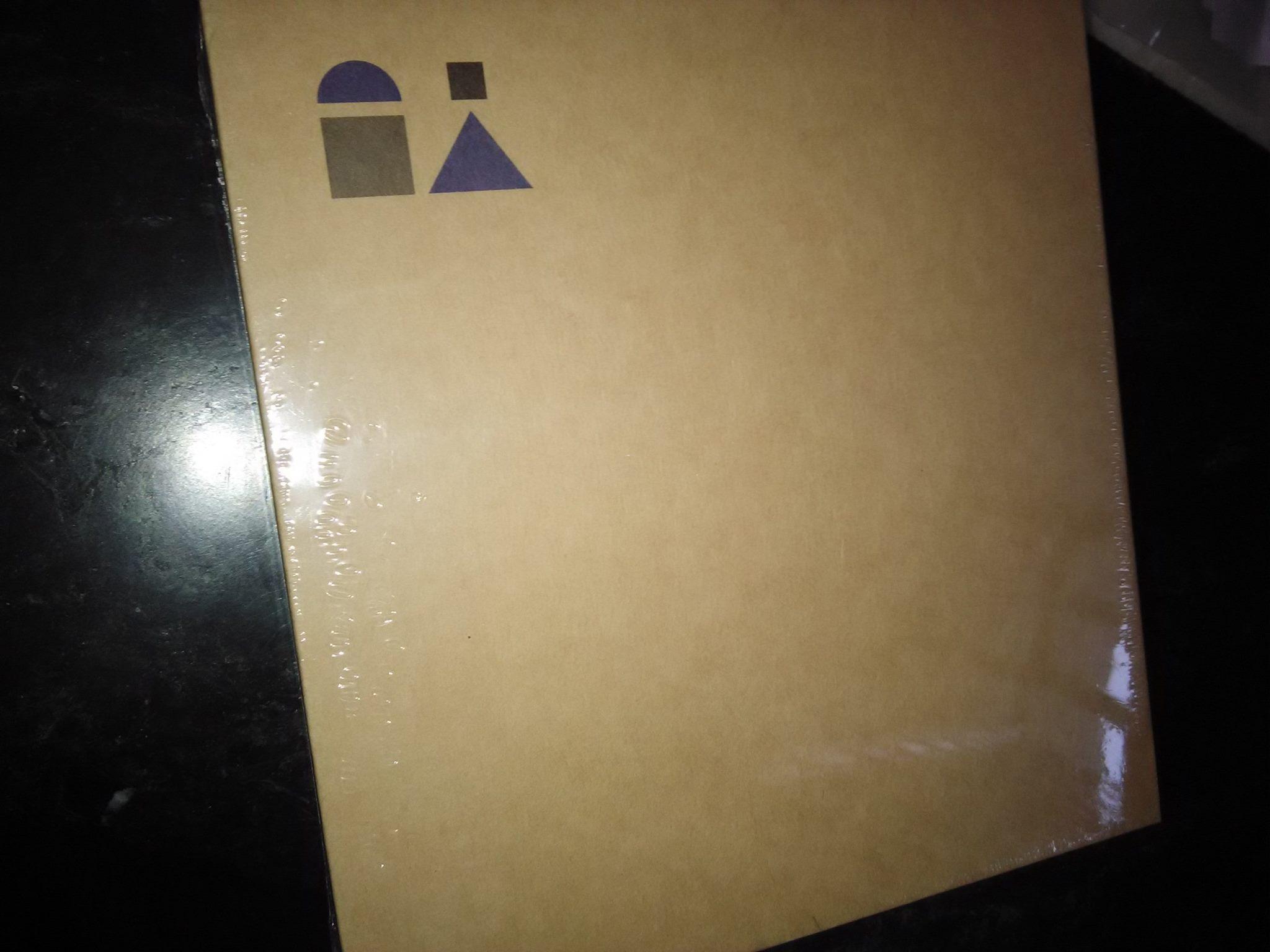 Yu packaging box